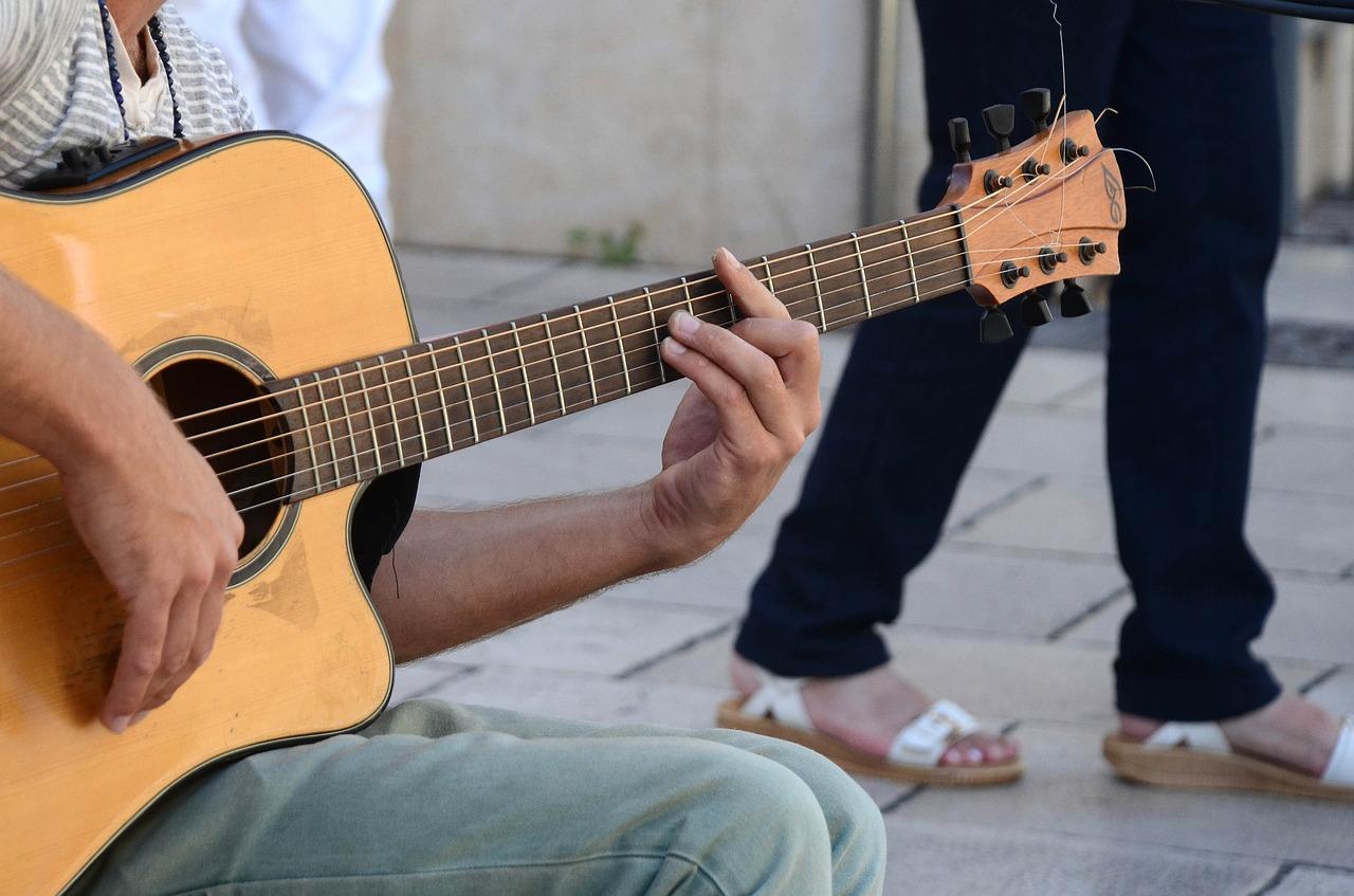 アコギが下手だから辞めたい?初心者がギターを諦める前に考える3つのポイント