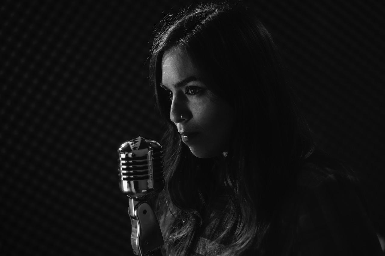 カラオケ等人前で歌うことが恥ずかしい?恥ずかしさを解消するための6つの方法