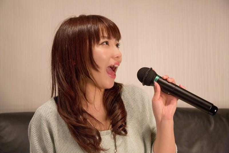 冬にカラオケに行く時は喉の乾燥に注意!快適に歌うための5つの方法